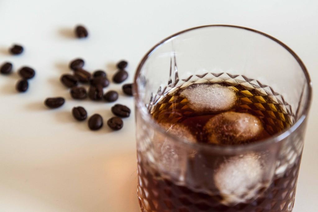 Studený kafe ve skle