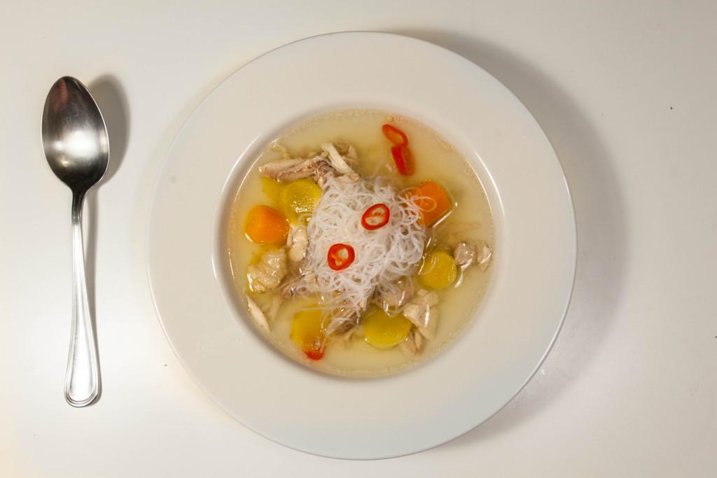 Kuřecí polévka se zázvorem